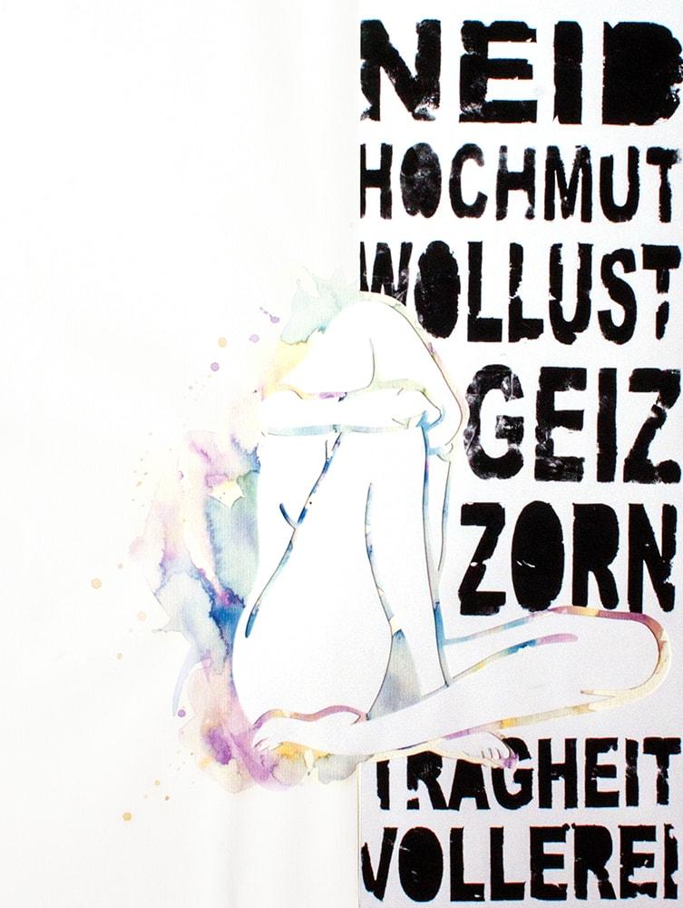 Zeichnung / Aquarell / Acryl von einer knienden Frau, welche ihr Gesicht versteckt. In schwarzer Acrylfarbe sind um sie herum die sieben Todsünden.